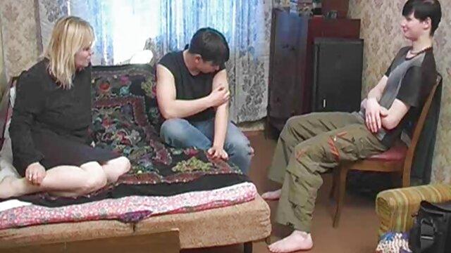 دختر سکسی با الاغ داغ پرشهای بیدمشک سکس زن با دزد او
