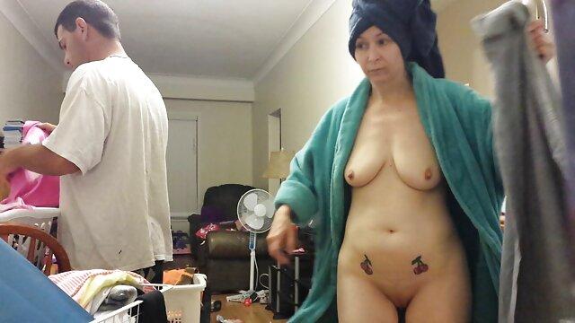 زرق و برق دار سایا پاک بیدمشک خیس خود را به اوج عکس زن سکسی لذت جنسی